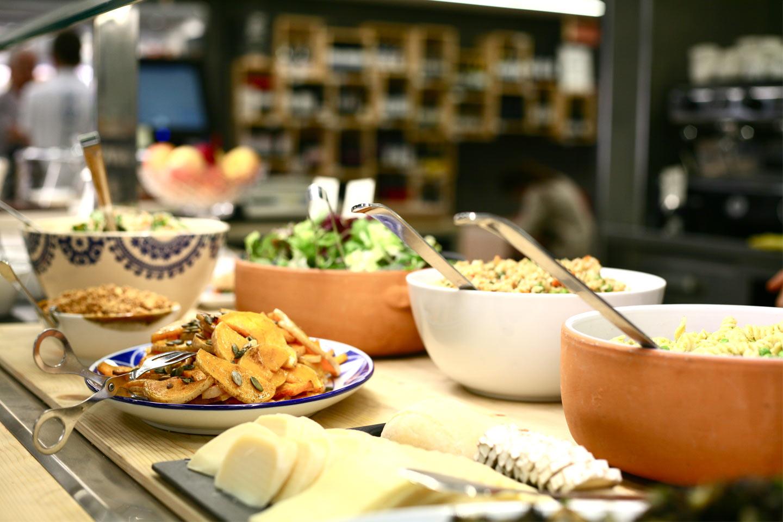 Restaurante ecológico Barcelona OBBIO & Mister Karton